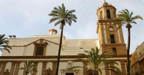Halvat lennot ja hotellit Cadiz Travellinkilta
