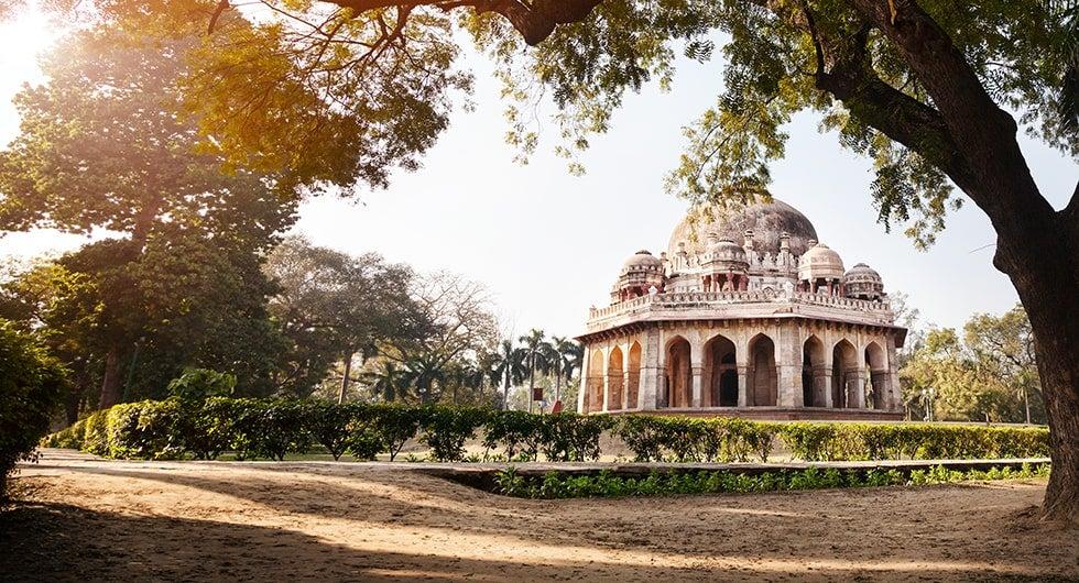 Halvat lennot ja hotellit Delhi Travellinkilta