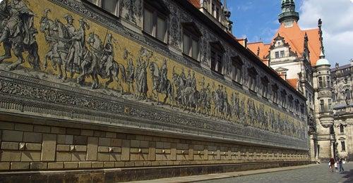 Halvat lennot ja hotellit Dresden Travellinkilta
