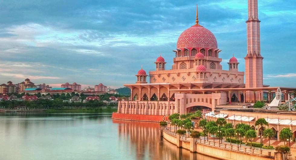 Halvat lennot ja hotellit Kuala Lumpur Travellinkilta
