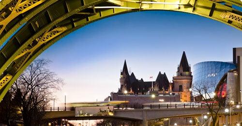 Halvat lennot ja hotellit Ottawa Travellinkilta